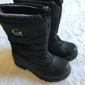 Sorel woman's insulated Black Winter Boots size 8